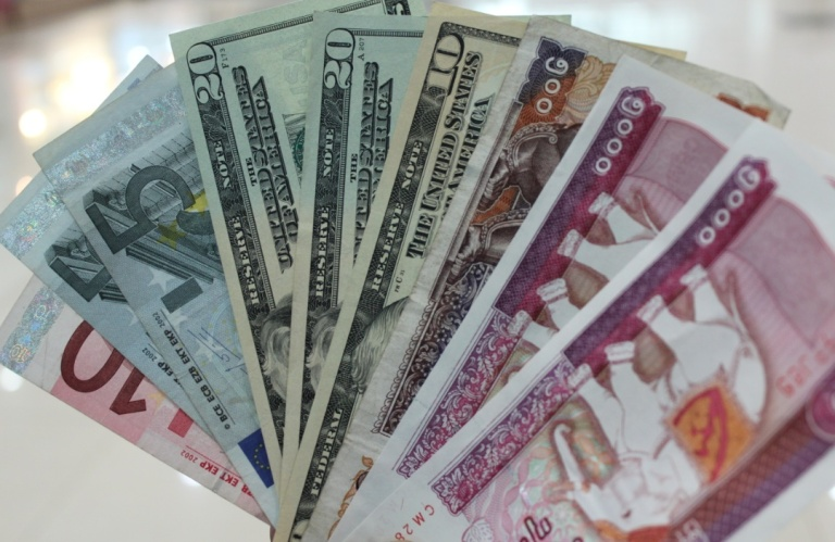 euros-dollars-and-kyat