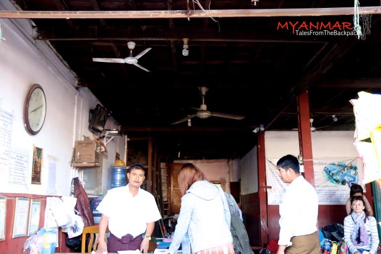 Myanmar_Kyaiktiyo_002