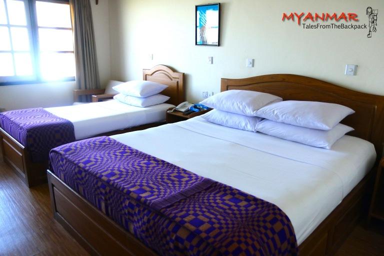Myanmar_Kyaiktiyo_016